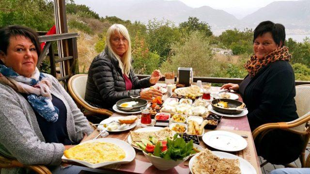 Muhtar's Place Alanya Kahvaltı Muhtarın Yeri Restaurant