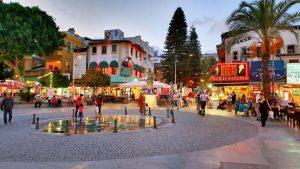 Antalya Kale Kapısı - Saat Kulesi - Kapalı Yol Manzaraları