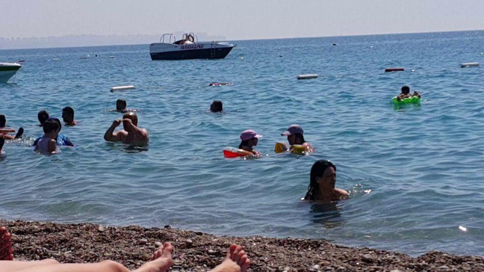 Antalya deniz manzarası Konyaaltı kumsalı plaj görüntüleri Antalya gezi tatil