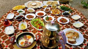 Köy Kahvaltısı Antalya - Çakırlar Serpme Kahvaltı Yerleri Sakinler Kır Bahçesi