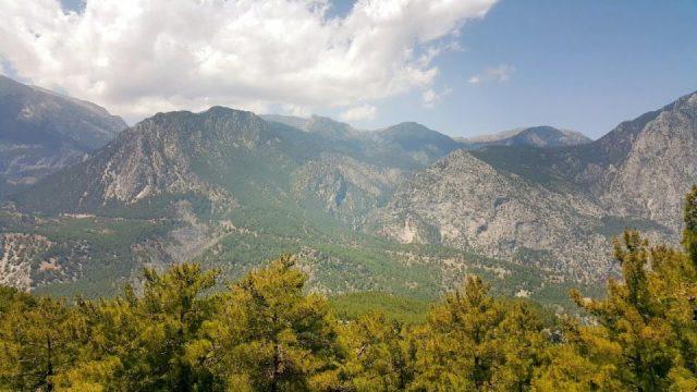 Altınyaka Yolunda Muhteşem Dağ ve Orman Manzarası - Antalya Gezi Tatil Tur
