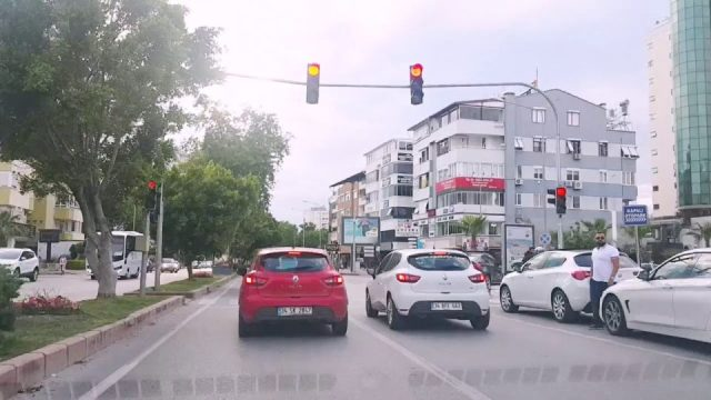Güzeloba Kapalı Pazar - Narenciye Caddesi Arası Antalya Şehir Turu Şehiriçi Şehir Merkezi Tatil