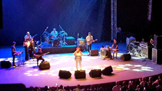 selda bagcan antalya konseri konyaalti acik hava tiyatrosu (4)