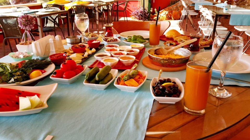 serpme kahvaltı fotoğrafları serpme kahvaltı ürünleri kahvaltı sunumu (19)