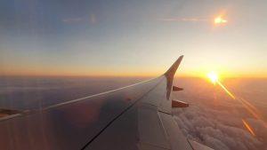 İstanbul - Antalya Uçağında Bulutların Üzerinde Gün Batımı Manzarası