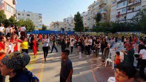 Yaşa Mustafa Kemal Paşa Yaşa - Antalya Merkez Orta Okulu Öğretmenleri İzmir Marşı