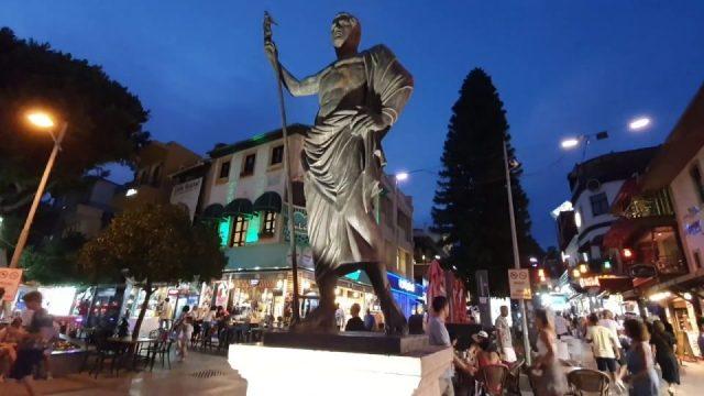 Antalya Kalekapısı Saat Kulesi Akşam Manzarası Antalya Gezilecek Turistik Yerleri