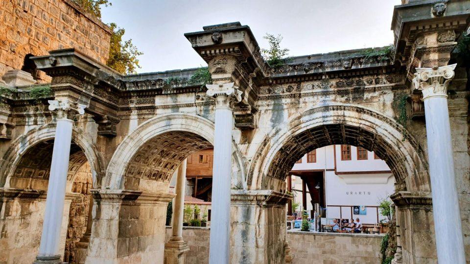 Üçkapılar Antalya Turistik Tarihi Mekanlar Gezilecek Yerleri Görülmesi Gereken Yerler (3)