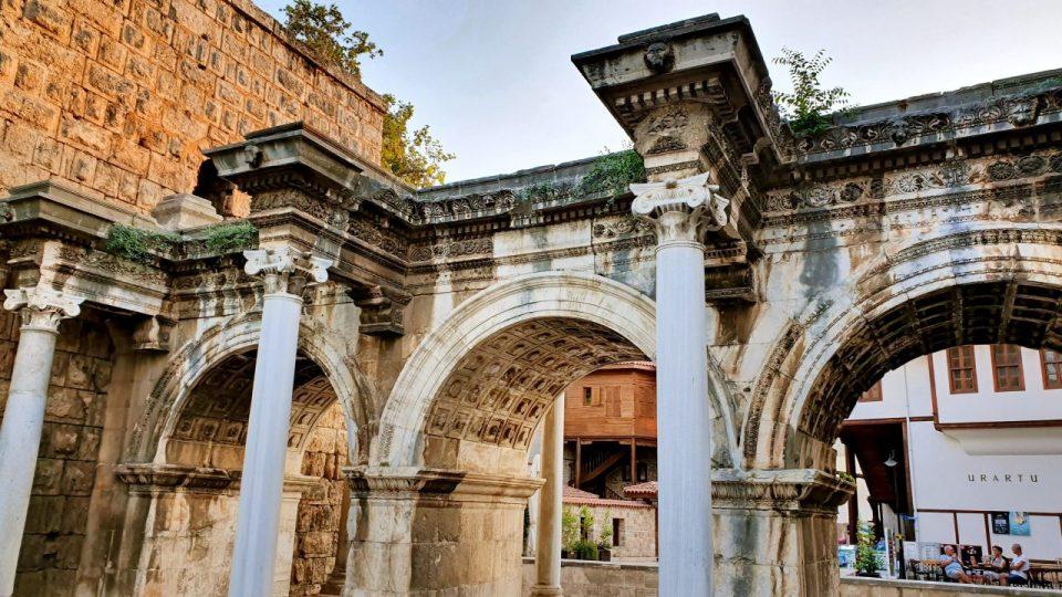 Üçkapılar Antalya Turistik Tarihi Mekanlar Gezilecek Yerleri Görülmesi Gereken Yerler (4)