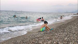Akşam vakti deniz manzarası Konyaaltı Sahili Antalya