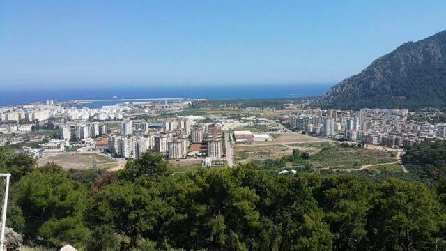 Altınyaka Yolu Seyir Terası Antalya Deniz Manzarası ve bu manzarayı kirleten çirkin ucube yapı