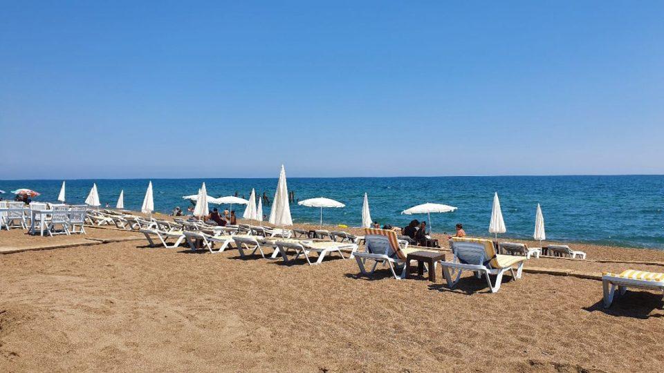 antalya lara plajları qula beach club restaurant cafe bar plaj canlı müzik 3