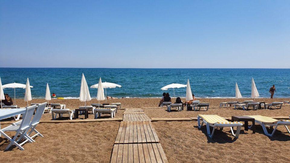 antalya lara plajları qula beach club restaurant cafe bar plaj canlı müzik 4