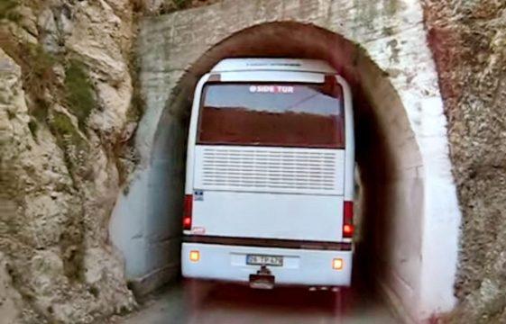 Bu otobüs bu tünelden geçebilir mi ?