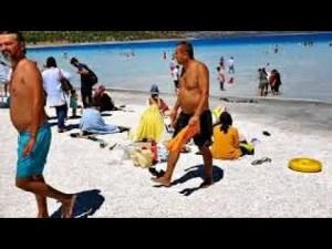 Salda Beyaz Adalar Plajı Ağustos Ayı Yoğunluğu ve Muhteşem Salda Gölü Manzarası