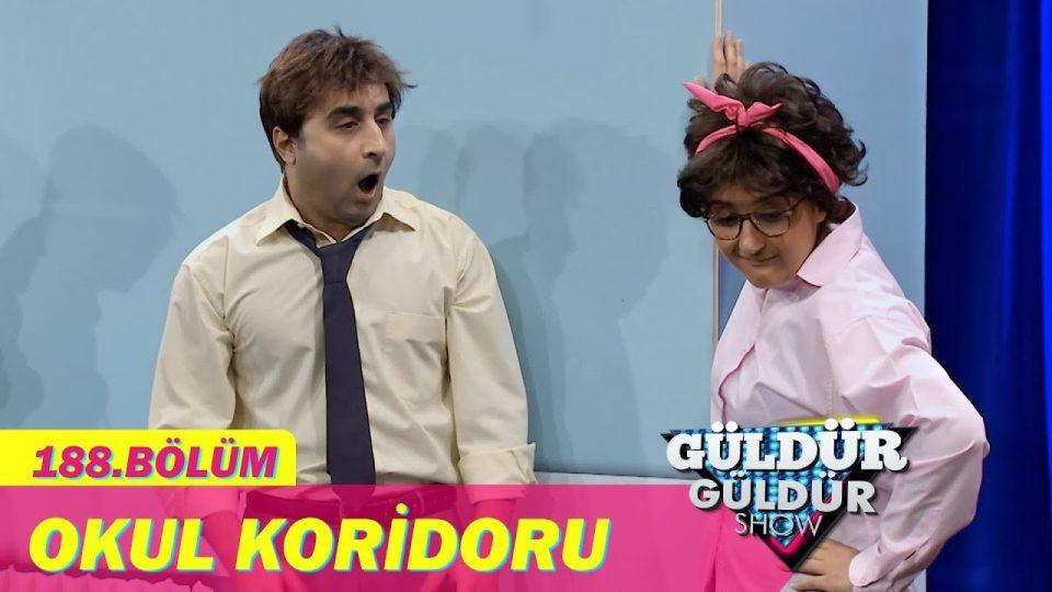 Güldür Güldür Show'un en çok izlenen bölümü: Bilal ve Naime – Okul Koridoru