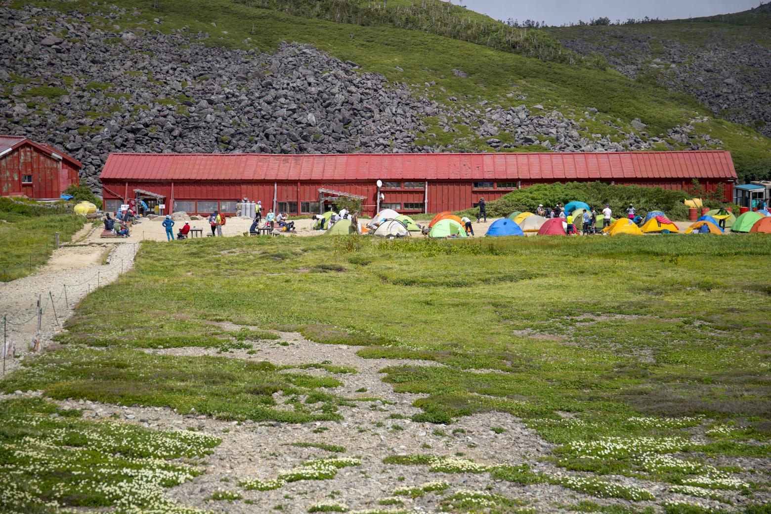 白馬大池山荘とテント場