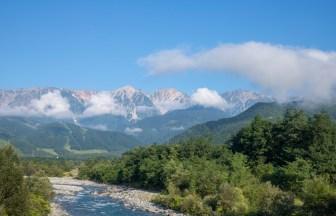 松川橋から見る白馬三山