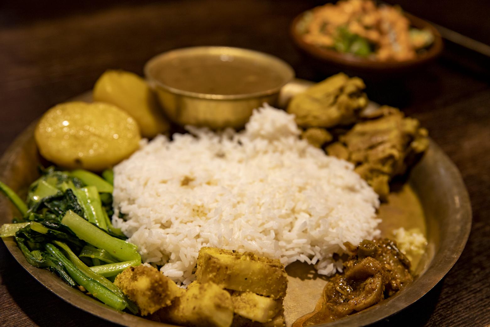 ネパールの家庭料理「ダルバート」