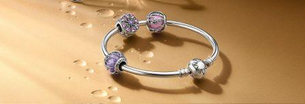 pandora_bracelet_with_colored_stone