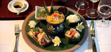 pang_1366x650_dining_food04