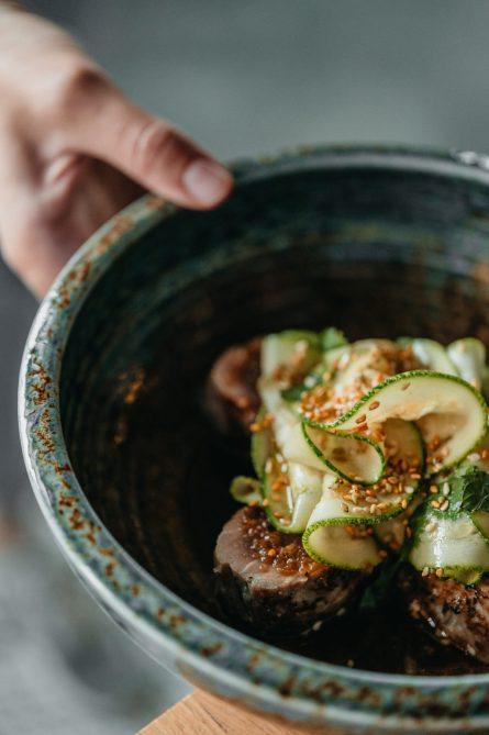 Tunec na grile, salat iz zukkini_Magura Asian Bistro5