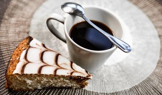 "alt=""coffee"""