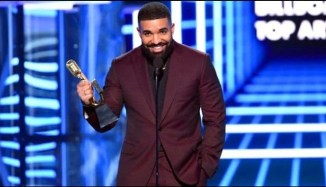 Drake triomphe aux Billboard Music Awards avec 12 récompenses 1
