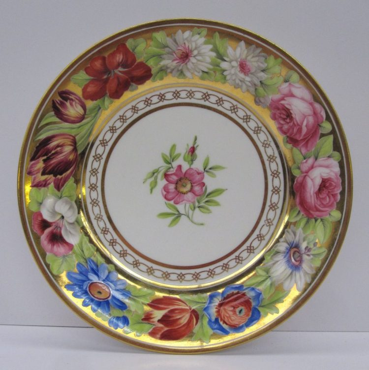 A Swansea porcelain dessert plate from the Marquis of Anglesey service. Sold for £700 at Anthemion auctions