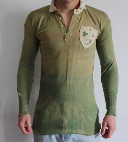 An Ireland International Jersey, 1907. Sold for £1,850 at Anthemion Auctions