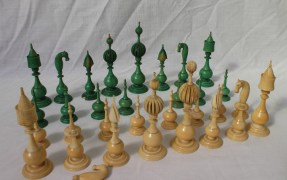 19th century Anglo Indian carved ivory chess set, natural and stained green. Sold for £2,200 at Anthemion Auctions