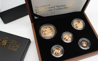 An Elizabeth II 2009 United Kingdom gold proof five-coin sovereign collection, comprising a five pounds, double sovereign, sovereign, half sovereign and quarter sovereign, No.1075/1700 in original case. Sold for £1,450 at Anthemion Auctions