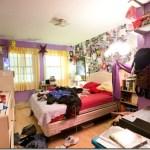 Η ακαταστασία του εφηβικού δωματίου αντικατοπτρίζει και την ανήσυχη σκέψη του