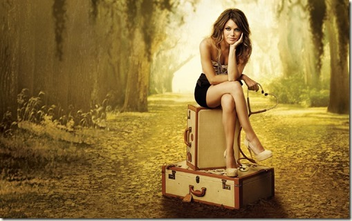 alone-woman-in-travel