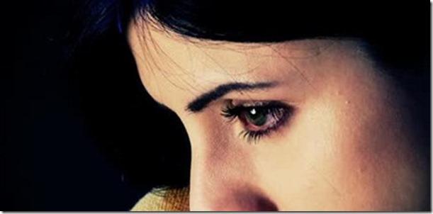 unhappy-eyes-woman