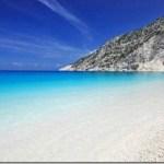Η επιστήμη εξηγεί πως η παραλία μπορεί να αλλάξει τον εγκέφαλό σας και την ψυχική σας υγεία