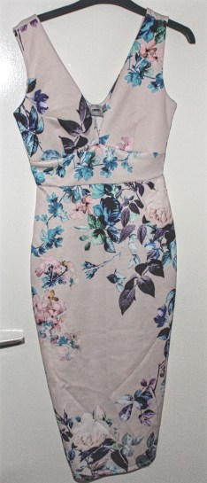 ASOS Pink Floral Plunge Suba Bodycon Dress: Current Price £10 http://www.ebay.co.uk/itm/ASOS-Pink-Floral-Plunge-Suba-Bodycon-Dress-UK-10-/322262122995?hash=item4b0851c1f3:g:eawAAOSwMgdX0IjH