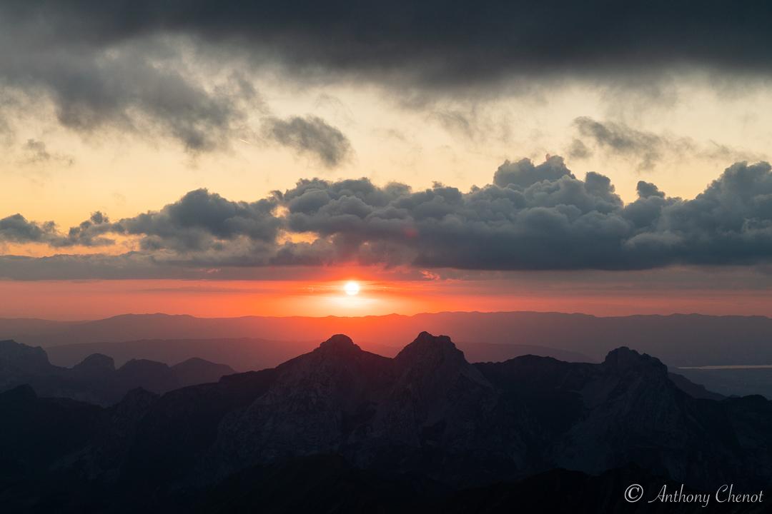 Couché de soleil depuis un sommet