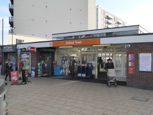 enfield-town-station