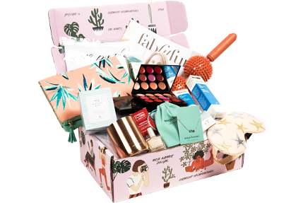 https://fabfitfun.com/wp-content/plugins/woocommerce-recurly-subscriptions/assets/images/spring-Box.png