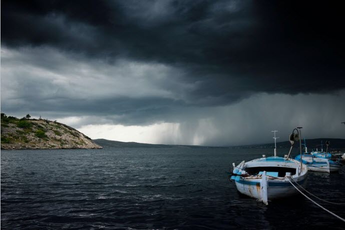 a STORM on the sea.