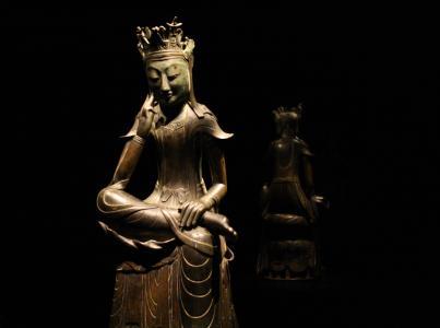 1930 | Sukzession und falsche Bodhisattvas