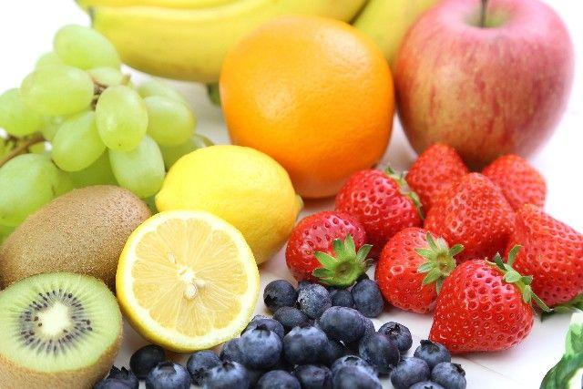 ビタミン類を含む食べ物の写真