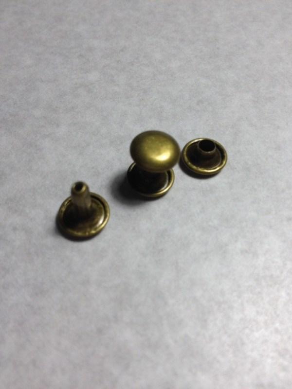 Хольнитен двухсторонний 9 мм  Старая латунь  Цена указана за 10 шт   30р.   1