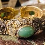 Bracciale in filigrana d'argento vermeil e giada. Cina, prima metà del XX secolo - Bracelet in gilt filigree and jade. China, first half of 20th century