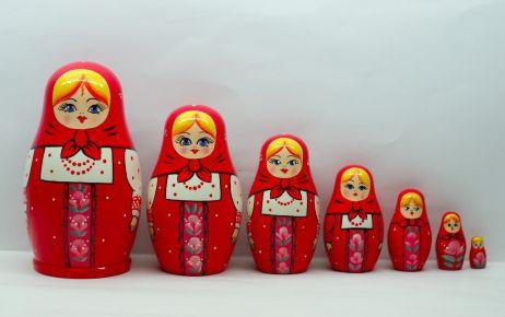 Red_Matryoshka_Babushka_Russian_Wooden_Stacking_Nesting