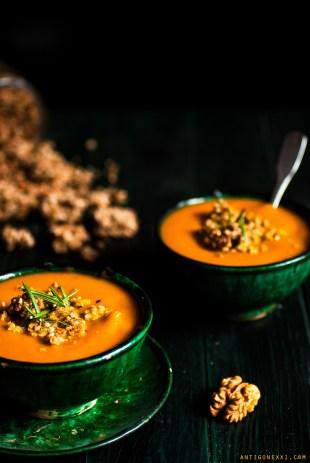 Soupe de potimarron & granola salé au fromage {vegan + sans gluten} - Antigone XXI