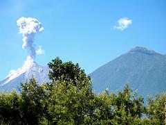 Volcán de Fuego: Sí se pudo! Wallpaper