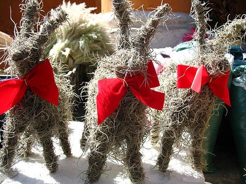 Guatemalan Christmas Decorations: Corderos de Pashte