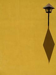 Shadow casting lamp